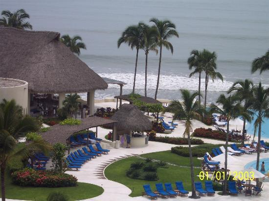 Grand Velas Riviera Nayarit: picture taken off of our balcony