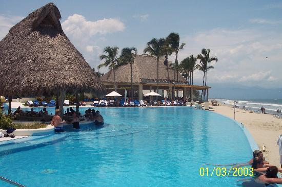 Grand Velas Riviera Nayarit: swim up bar