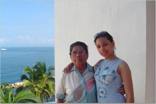 Costa Sur Resort & Spa: Me and grandma on the balcony