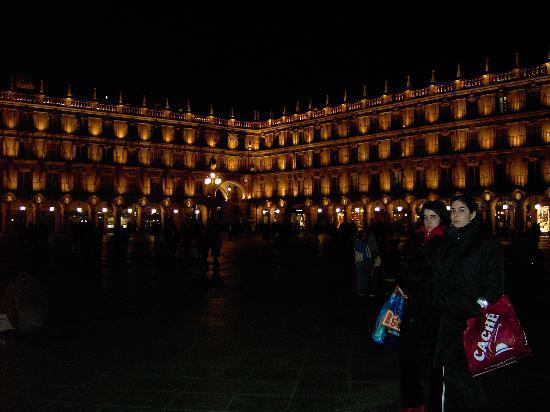 Catalonia Plaza Mayor Salamanca: Plaza Mayor, Salamanca at night