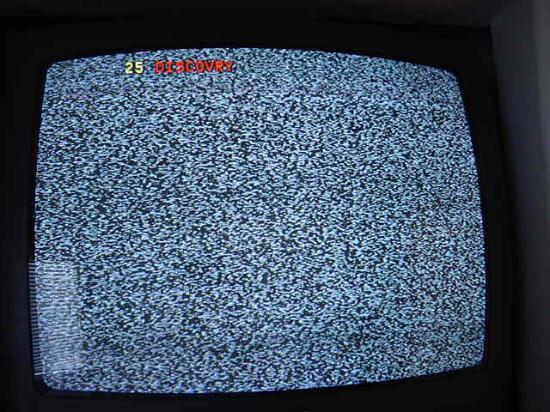 Марина, Калифорния: But Hey! At least you get free cable TV . . . if you bang the set just right.
