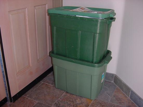 """Марина, Калифорния: A """"bucket-o-laundry"""" sits outside your door until you pretty much decide to change your own..."""