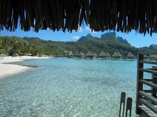 InterContinental Bora Bora Le Moana Resort: View from bungalow closest to shore