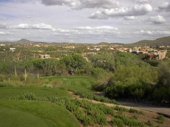 Cave Creek, AZ: Looking down on hole #8.  A big drop!