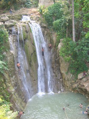 Grand Bahía Principe San Juan: waterfalls on the safari ride