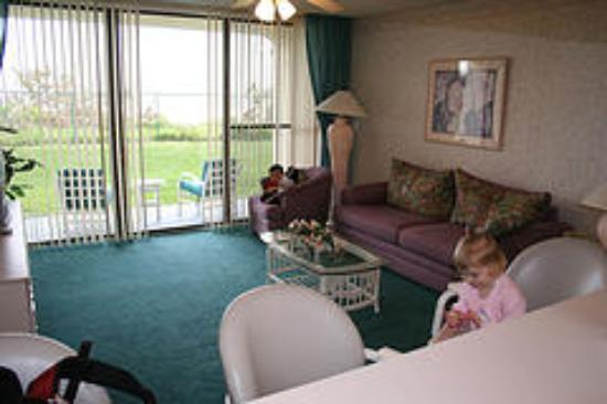 Ocean Landings Resort and Racquet Club: Living Room
