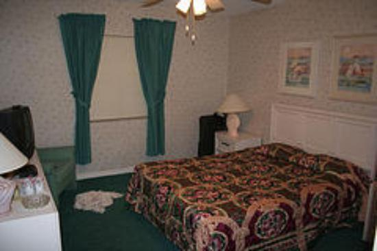 Ocean Landings Resort and Racquet Club: Bedroom