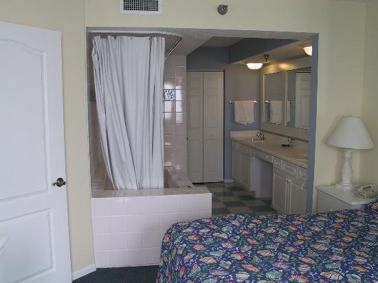 S Crest Vacation Villas Master Bedroom