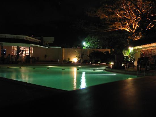 Pegasus Hotel Guyana: evening shot of pool