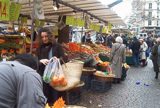 باريس, فرنسا: Street Market Rue Mouffetard, Latin Quarter