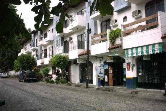 Estancia San Carlos: The street view
