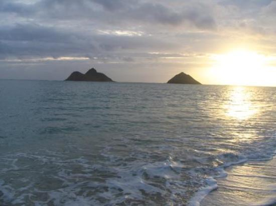 Lanikai Beach Rentals LLC : Sunrise2