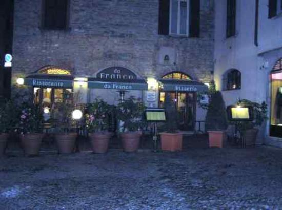 Hotel Agnello d'Oro: Worth eating at.