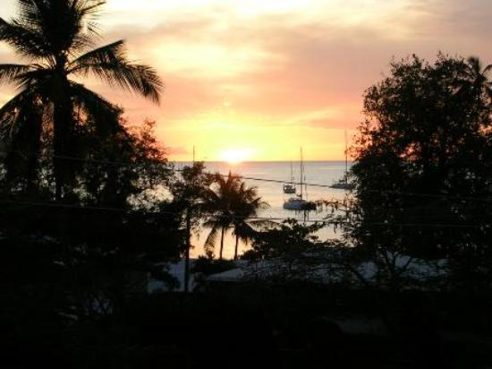 The Village Apartments : Sunset View