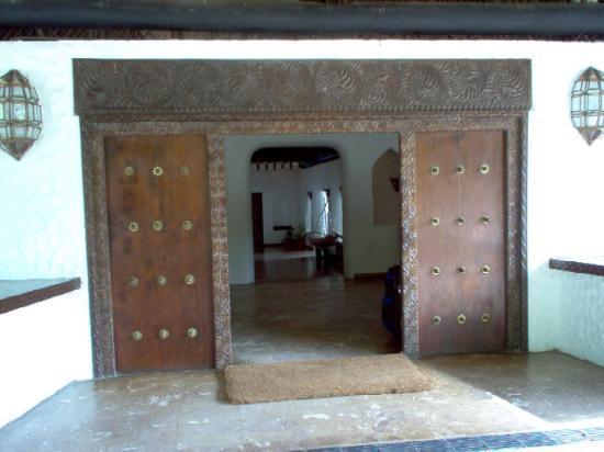 Mnarani Club & Spa: Hotel Entrance