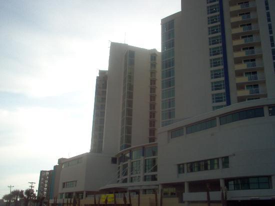 Avista Resort: street view
