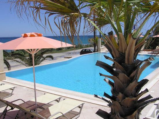 Anassa Hotel: The Pool
