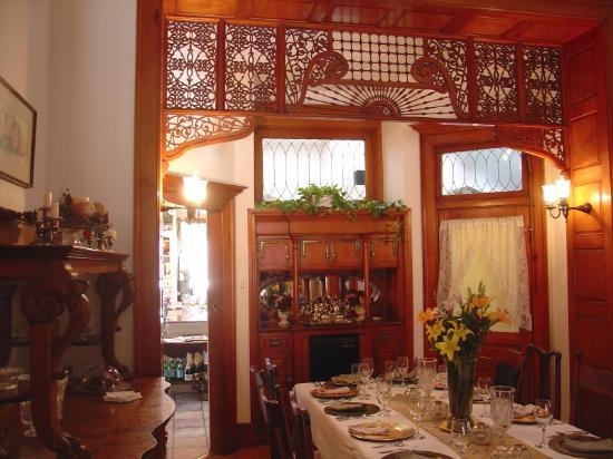 Royal Elizabeth Inn: Dining room