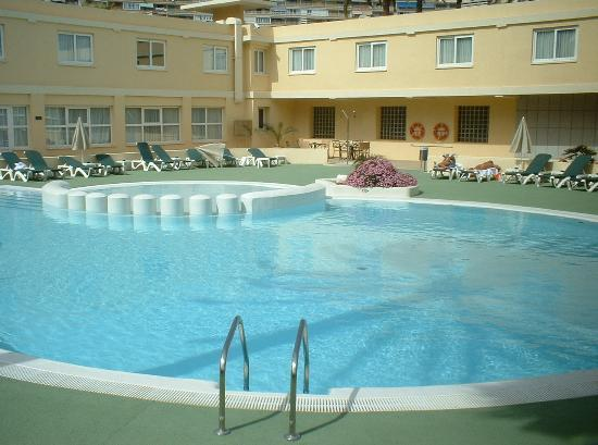 Holiday inn swimming pool picture of hotel port - Hotels in alicante with swimming pool ...