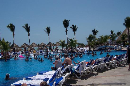 Moon Palace Cancun : The pool at Nizuc side