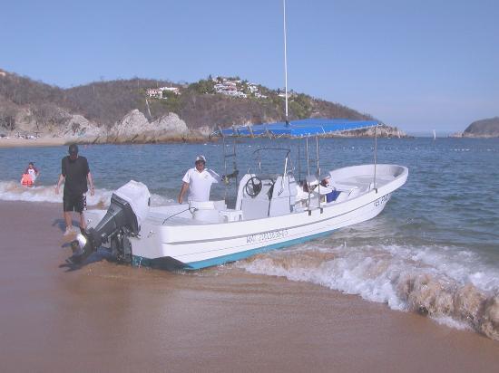 Dreams Huatulco Resort & Spa: Panga Boat