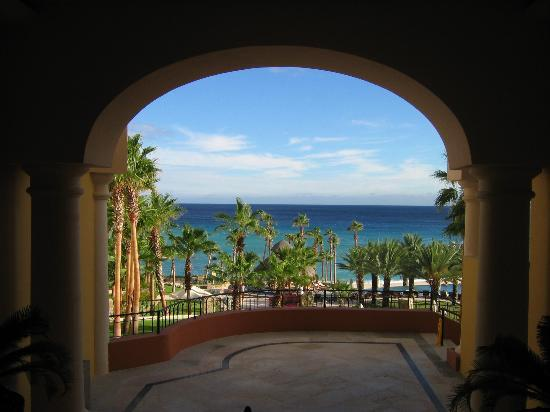 Hilton Los Cabos Beach & Golf Resort: View from the stairway on main level
