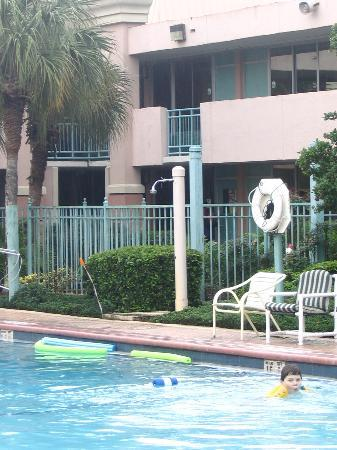 Red Lion Hotel Orlando - Kissimmee Maingate: Looking across the pool to our room.