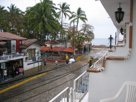 Hotel Rio Malecon Puerto Vallarta: View from my balcony toward the ocean