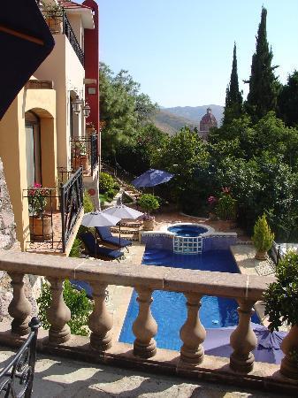 Casa Estrella de la Valenciana: view from outdoor dining area
