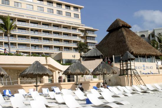 Beach Palace: Outside