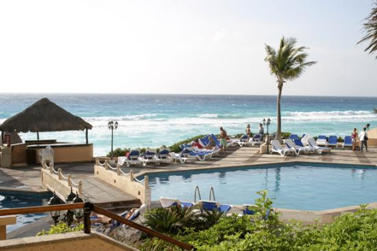 Beach Palace: Pool Area