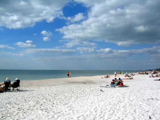 Holiday Inn Express Bonita Springs: Nearby Beach