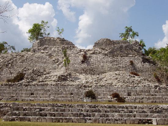 The Explorean Kohunlich by Fiesta Americana: Kohunlich ruins.
