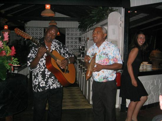 East Winds Inn : Nightly Entertainment - These Guys were great!