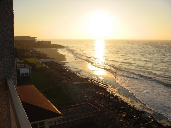 The Sea Gate Inn: View from Balcony at Sunrise