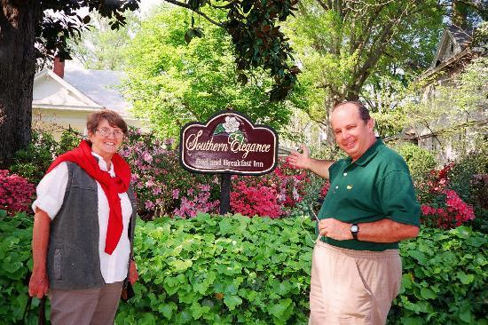 Southern Elegance Bed and Breakfast: Showing you Southern Elegance's sign