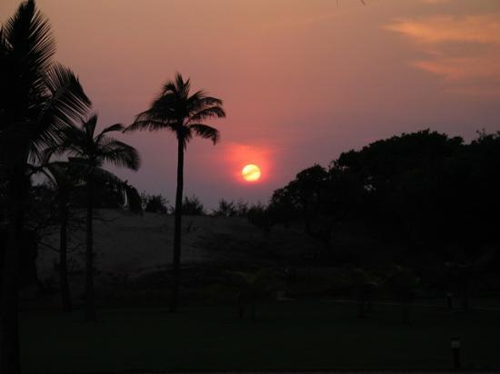 The Zuri White Sands Goa Resort & Casino: Sunset