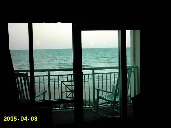 Best Western Plus Grand Strand Inn & Suites: Water View from Inside Room