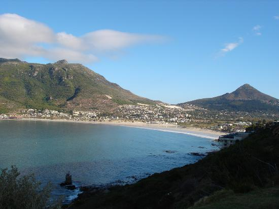 Hout Bay Backpackers: Hout Bay from Chapman's Peak Drive