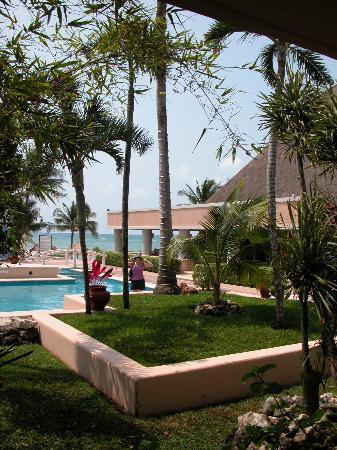 Omni Puerto Aventuras Hotel Beach Resort: Hotel grounds