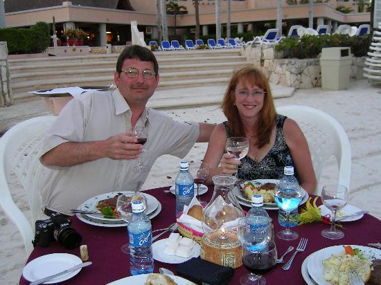 Omni Puerto Aventuras Hotel Beach Resort: Dinner on beach