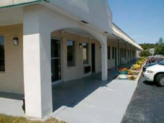 Budget Inn: Hotel