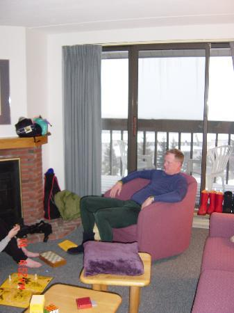 Killington Resort Village Pinnacle Condominiums: Living room