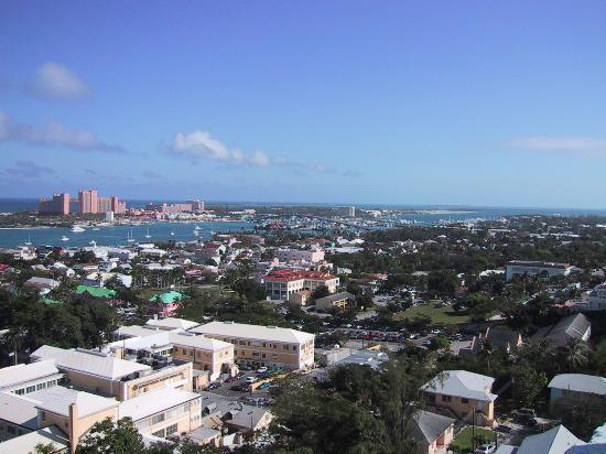 Isla Nueva Providencia: A view of Nassau from the tallest point on the Island