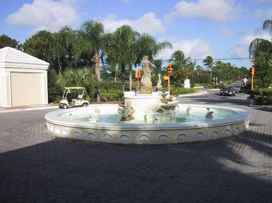 South Ocean Golf Course: Main entrance to South Ocean property
