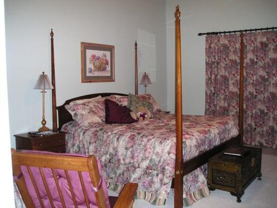 Berry Springs Lodge: Our room 1