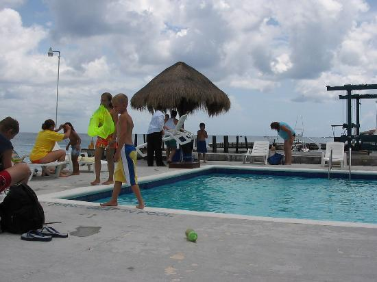 Villas Las Anclas: Family at Carib Blue Hotel Pool