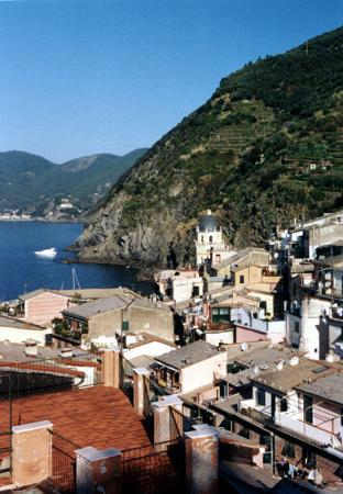 Elisabetta Carro: Vernazza, harbor from sun terrace