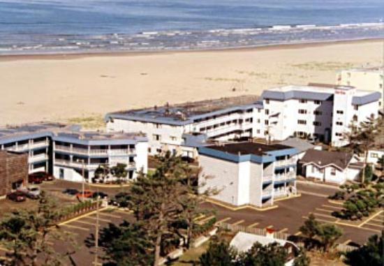 Ebb Tide Oceanfront Inn: another arial view of the EbbTide Resort