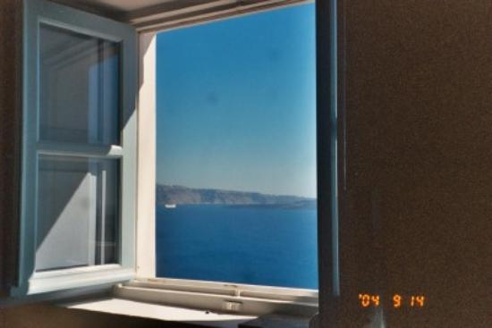 Art Maisons Luxury Santorini Hotels Aspaki & Oia Castle: Kitchen Window, Endless Blue